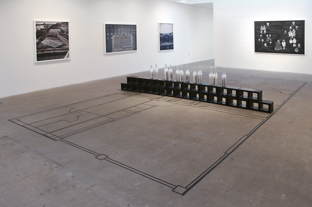 NEGATIVE SEA WALL INSTALLATION VIEW VI